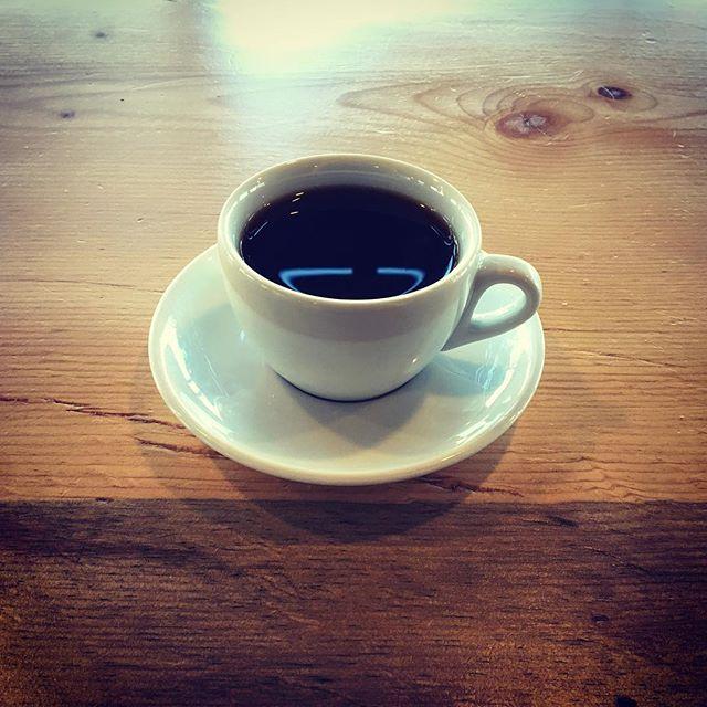 Monday morning = coffee black  #denvercoffee #sessioncoffee