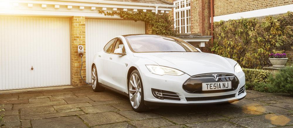 eOLEV charging a Tesla.jpg
