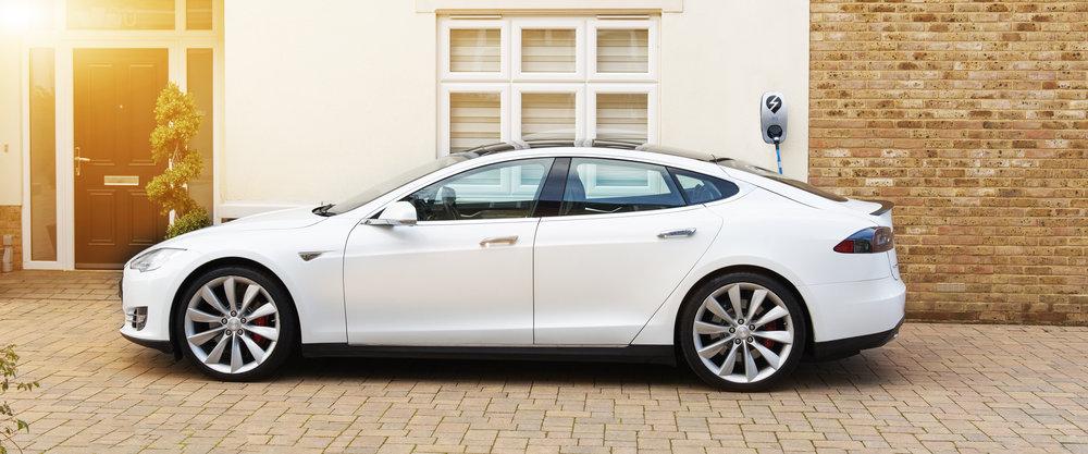 eOLEV charging a Tesla 2.jpg