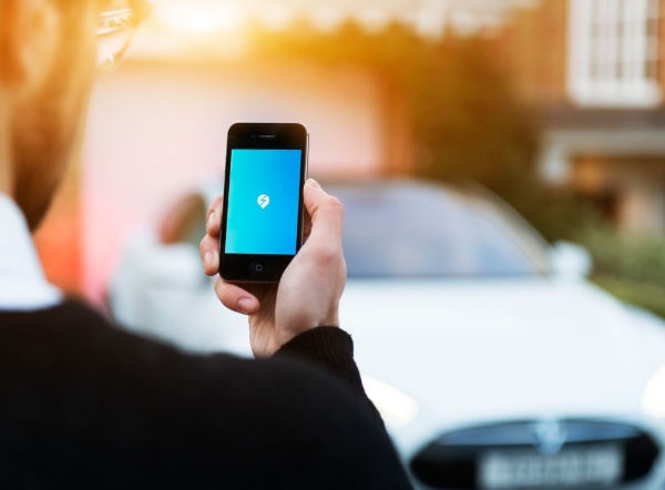 Eo-Charging-Smartphone.jpg