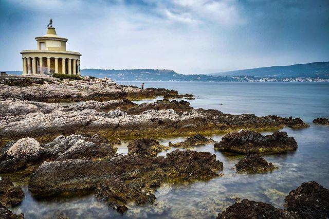 The lighthouse of St Theodore - Fanari, Kefalonia.  #summerholiday #ionianislands #landscapephotography #nikond750 #kefalonia #longexposure_shots #longexpo #longexposure #lighthouse #sea #greece #ndfilter #moody #seascape #photography #photographer #photographyislife #photooftheday