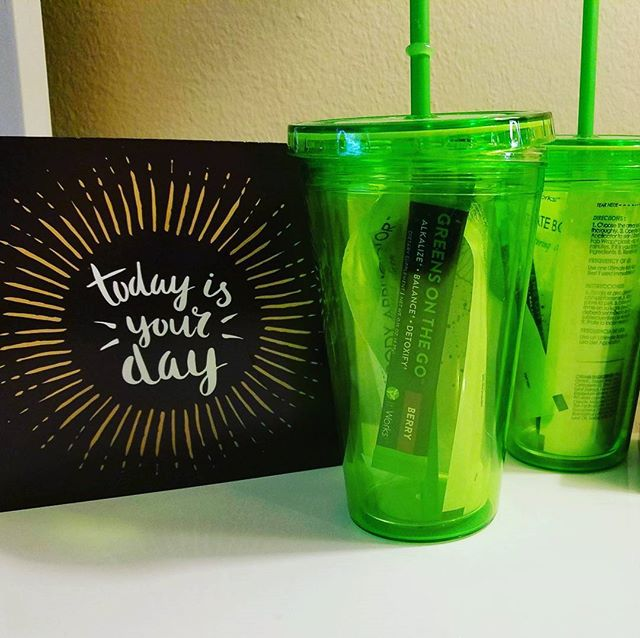I have ✌ TWO fun cup bundles available 😁 Each one has a body wrap to tighten & tone, directions, & berry greens to detoxify while you wrap 😍 + you get the cup!  Who wants one while I have them!? (PS: AWESOME Mother's Day gift 💞) #TodaysMantra #MothersDay #GiftIdeas #Detoxify #CuteCups #Quoteoftheday #Thingstoliveby #HealthyBabe #MommyMustHave #MomsDay #MomIsTheBest #TargetMom #ShopaholicMom