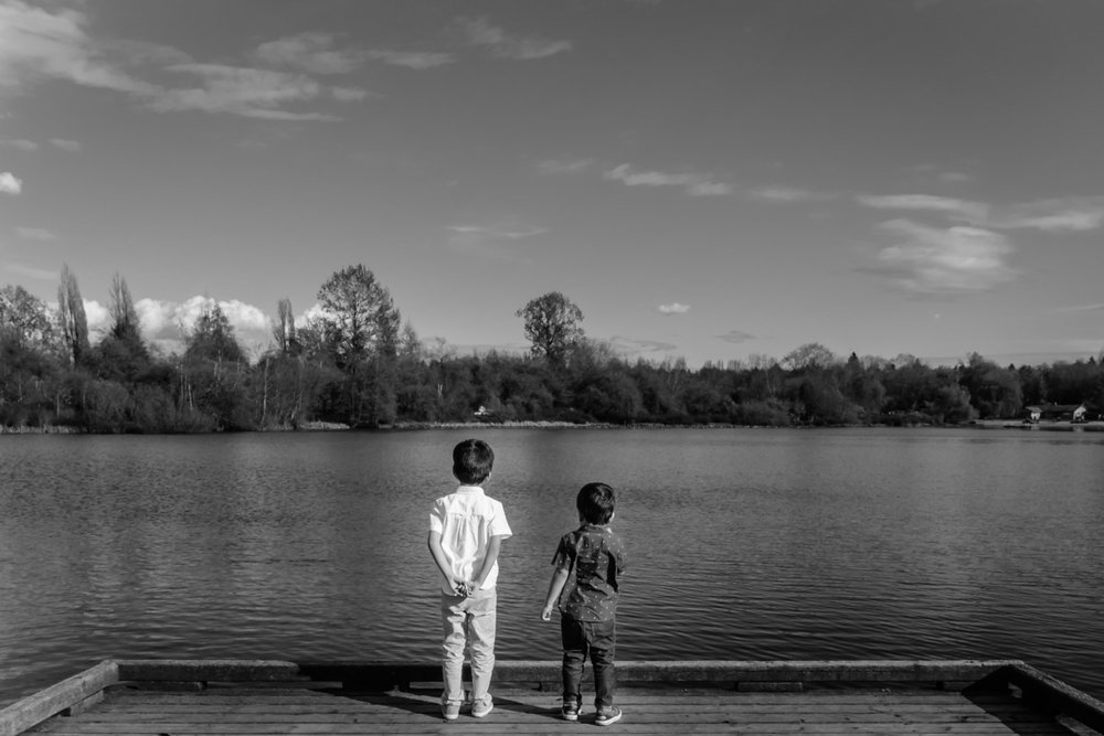 Children by lake - Family Photo Session