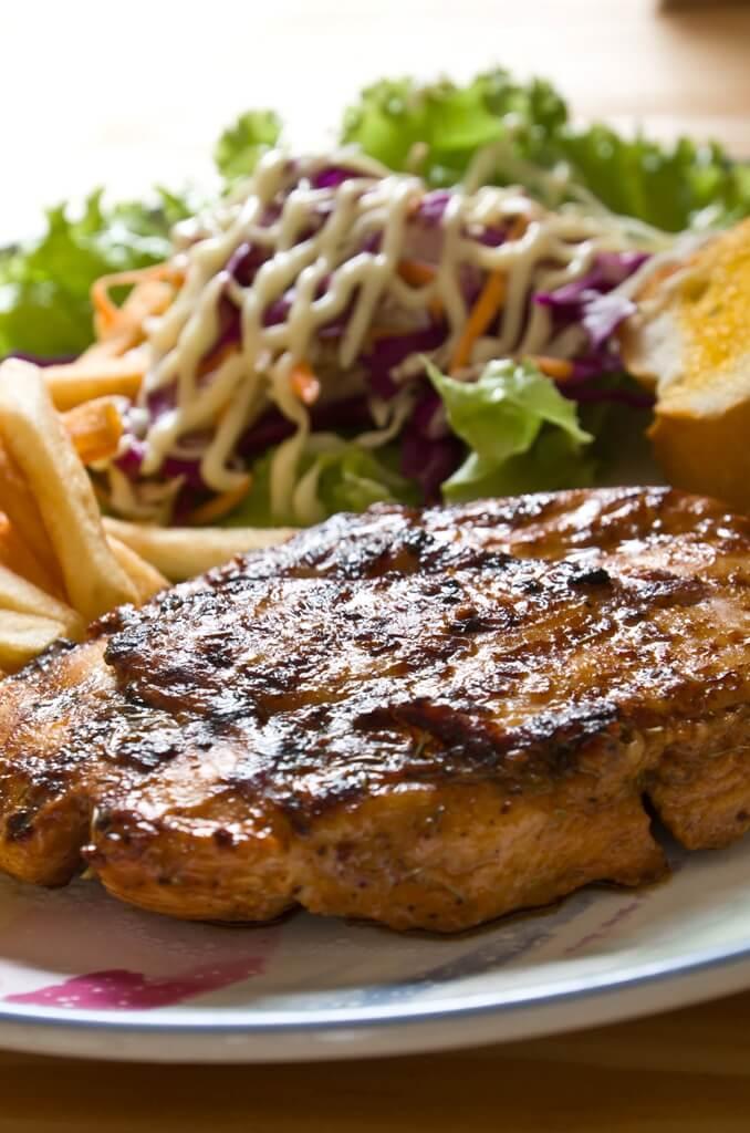 DINING & RESTAURANTS -