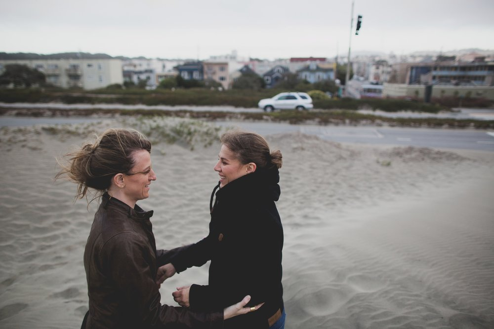 amanda_vanvels_kate_dede_outer_sunset_engagement__0060.jpg
