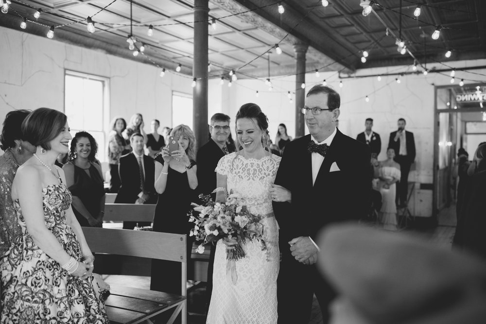 amandavanvels_headlands_center_wedding_san_francisco_093.jpg