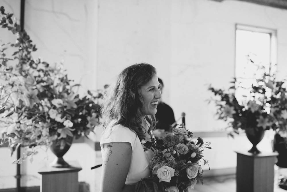 amandavanvels_headlands_center_wedding_san_francisco_094.jpg