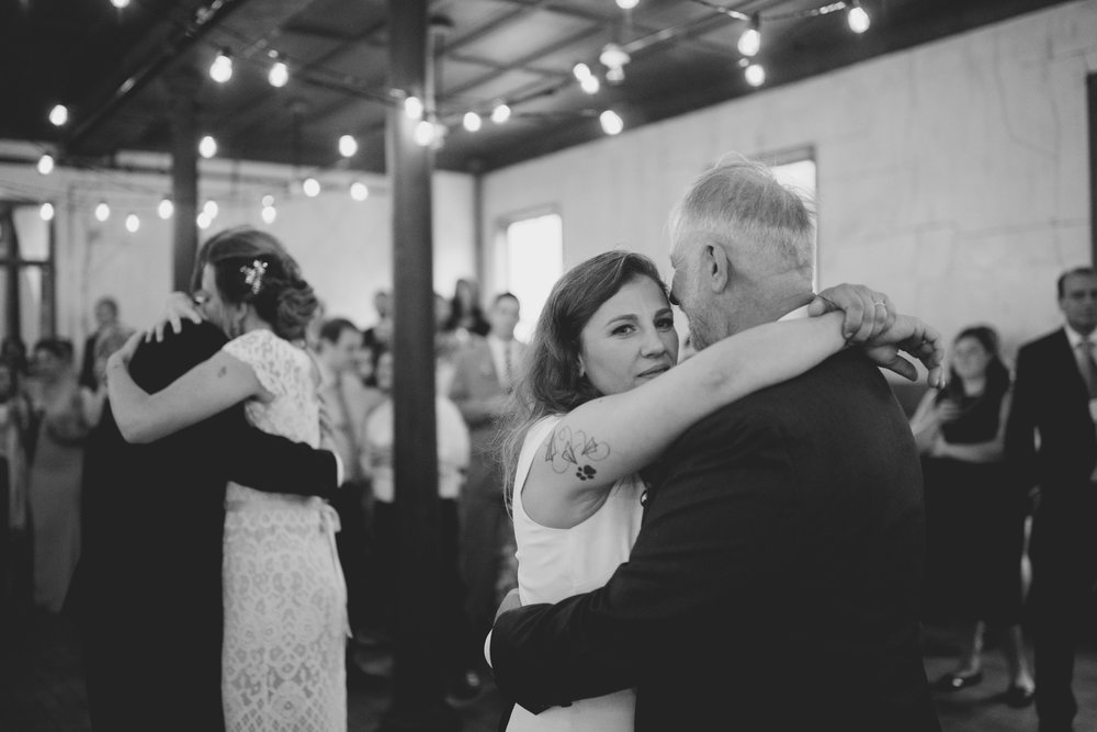 amandavanvels_headlands_center_wedding_san_francisco_183.jpg