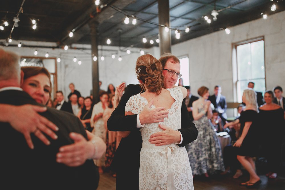 amandavanvels_headlands_center_wedding_san_francisco_187.jpg