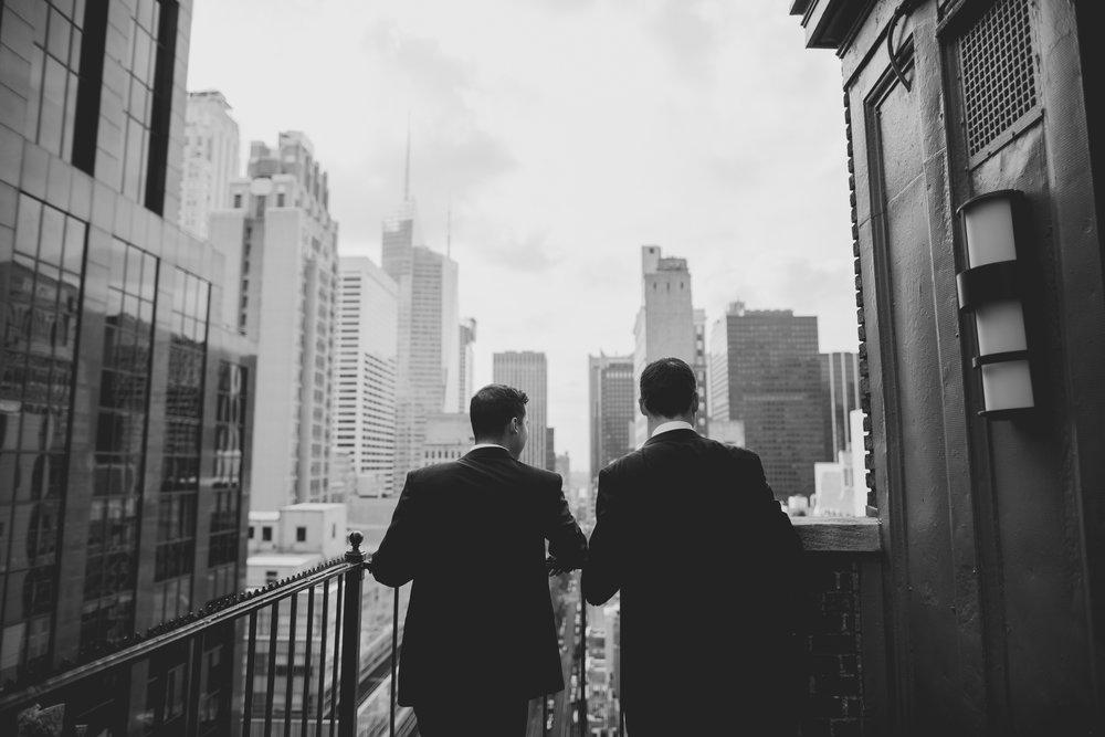 amanda_vanvels_new_york_lgbtq_gay_wedding_021.jpg