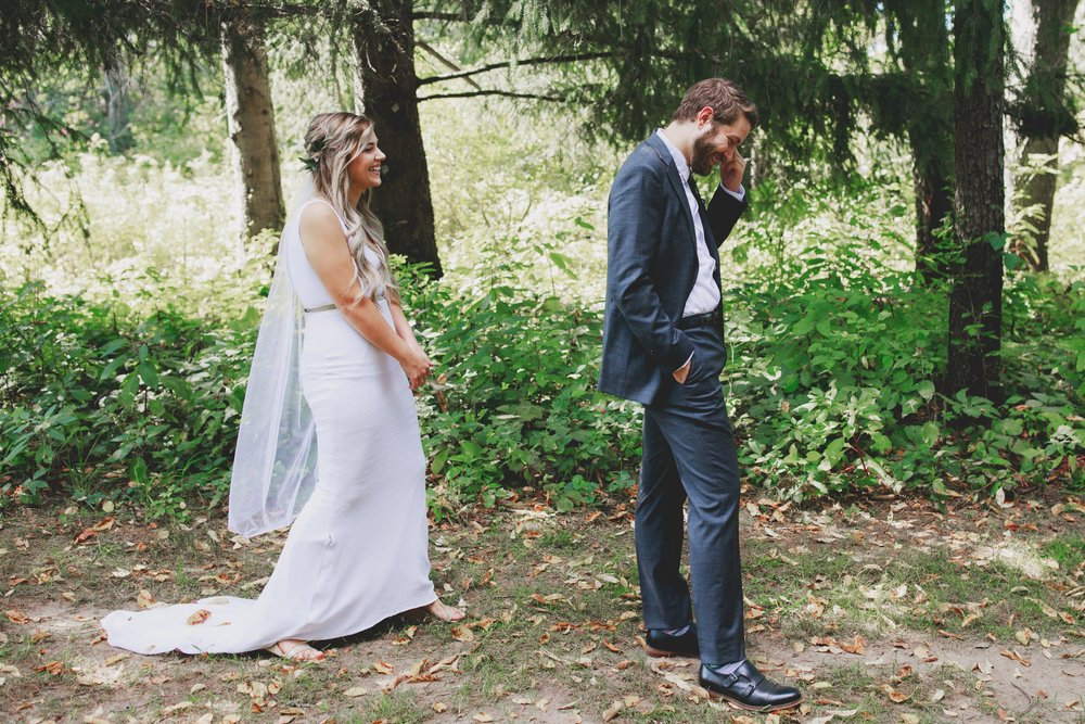 amanda_vanvels_grand_rapids_farm_barn_wedding_019.jpg