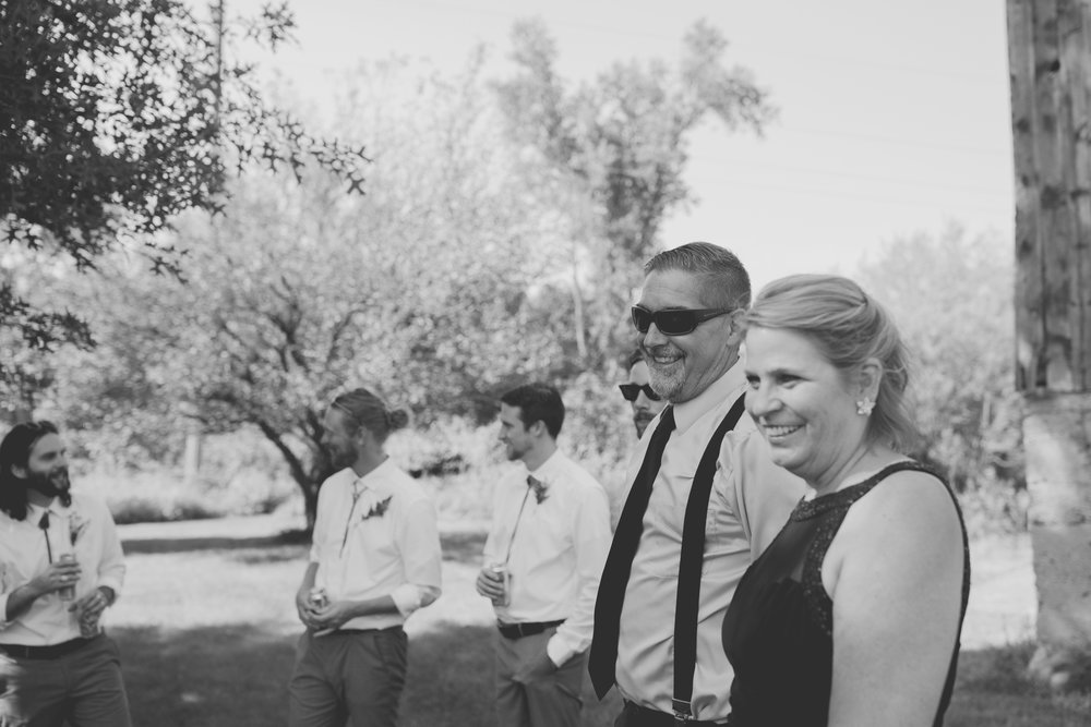amanda_vanvels_grand_rapids_farm_barn_wedding_036.jpg