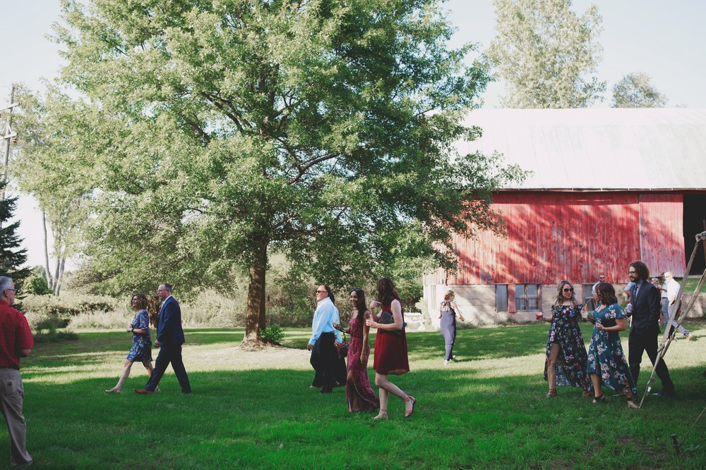 amanda_vanvels_grand_rapids_farm_barn_wedding_048.jpg