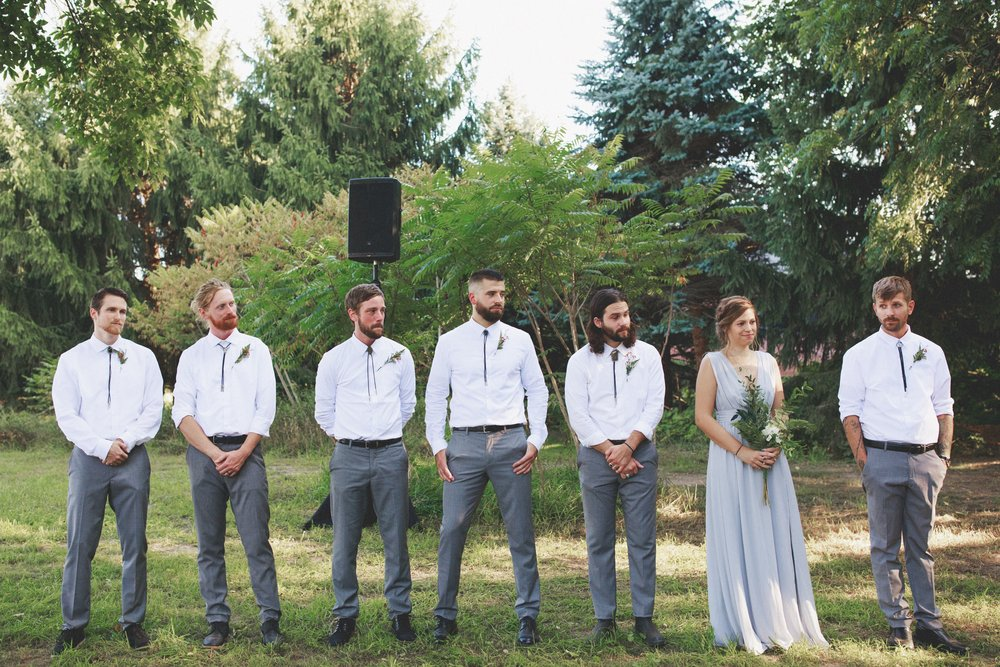 amanda_vanvels_grand_rapids_farm_barn_wedding_057.jpg