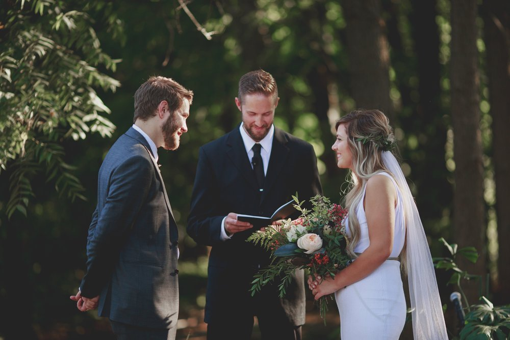 amanda_vanvels_grand_rapids_farm_barn_wedding_062.jpg