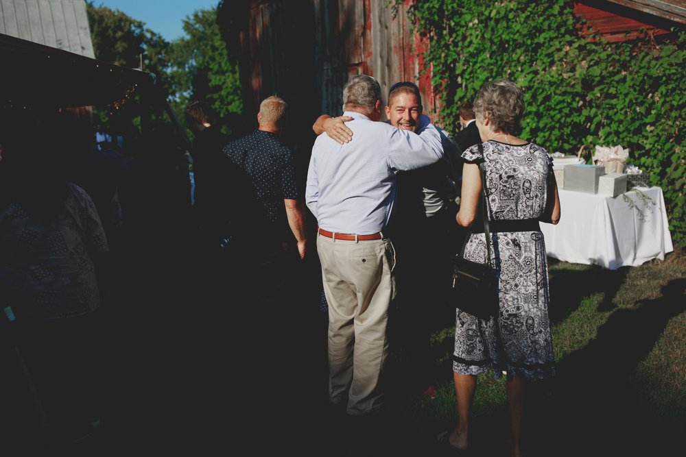 amanda_vanvels_grand_rapids_farm_barn_wedding_082.jpg