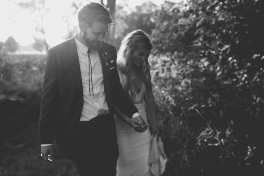 amanda_vanvels_grand_rapids_farm_barn_wedding_099.jpg