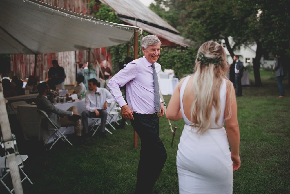 amanda_vanvels_grand_rapids_farm_barn_wedding_125.jpg