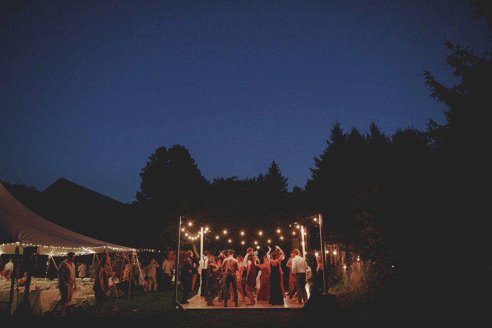 amanda_vanvels_grand_rapids_farm_barn_wedding_138.jpg