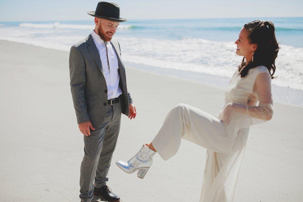 amanda_vanvels_san_onofre_wedding_eco_friendly_025.jpg