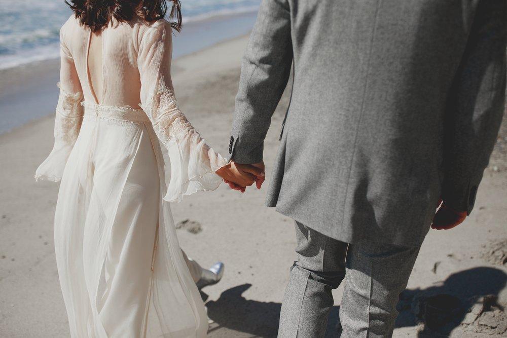 amanda_vanvels_san_onofre_wedding_eco_friendly_028.jpg