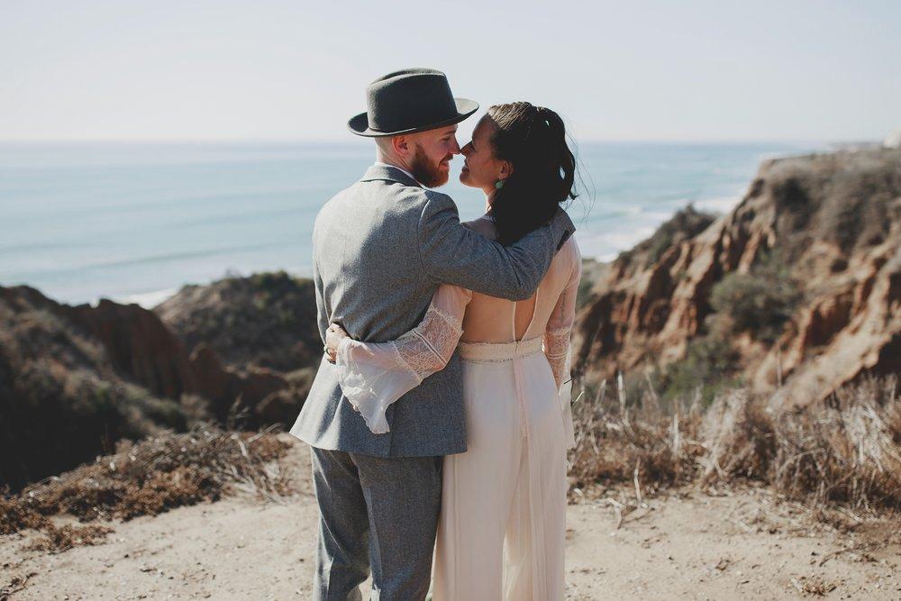 amanda_vanvels_san_onofre_wedding_eco_friendly_065.jpg