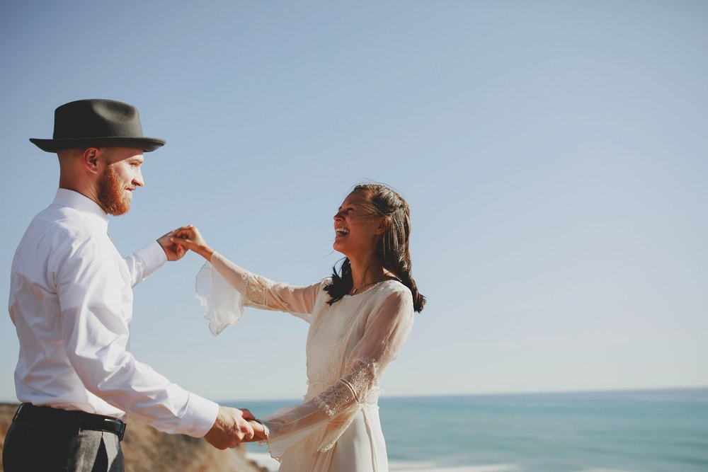 amanda_vanvels_san_onofre_wedding_eco_friendly_078.jpg