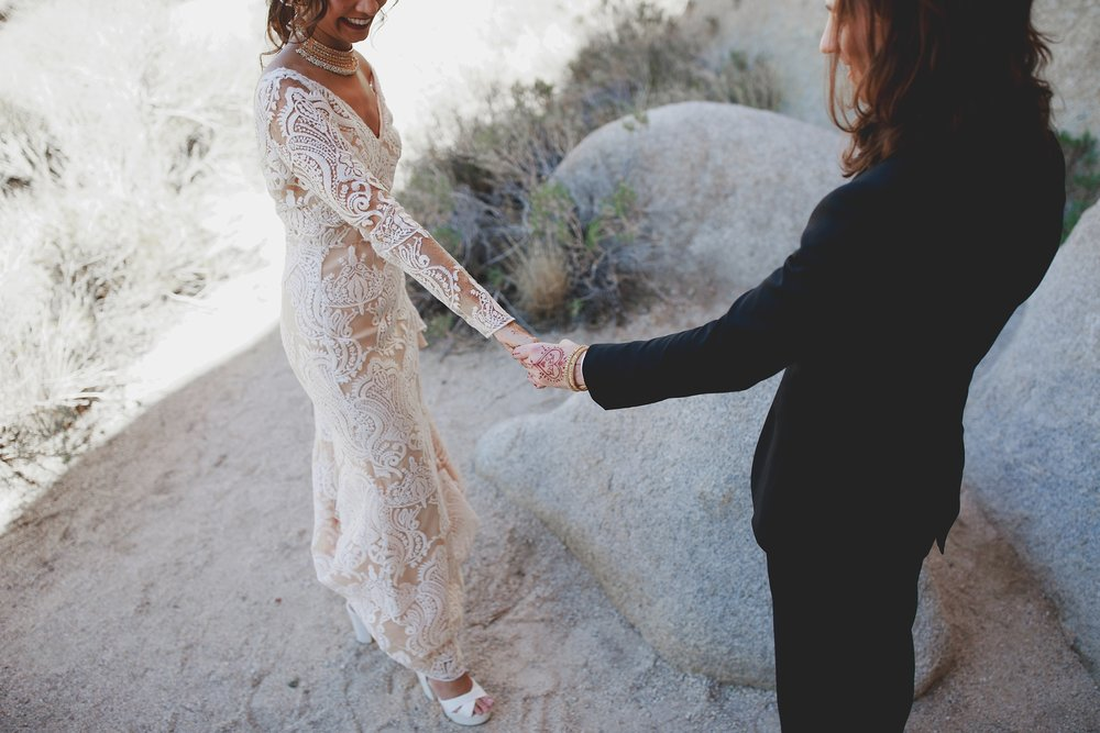 amanda_vanvels_joshua_tree_inn_wedding_033.jpg