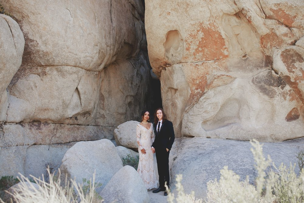 amanda_vanvels_joshua_tree_inn_wedding_035.jpg