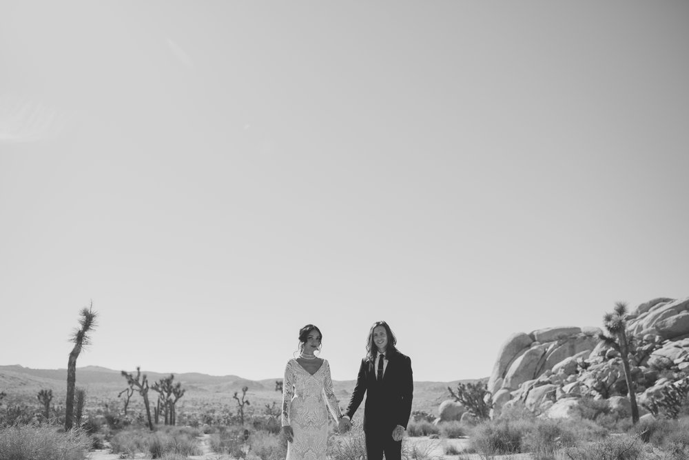 amanda_vanvels_joshua_tree_inn_wedding_044.jpg