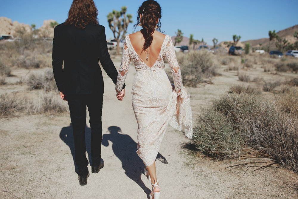 amanda_vanvels_joshua_tree_inn_wedding_056.jpg