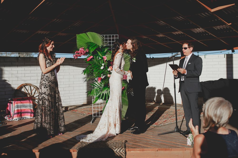amanda_vanvels_joshua_tree_inn_wedding_090.jpg