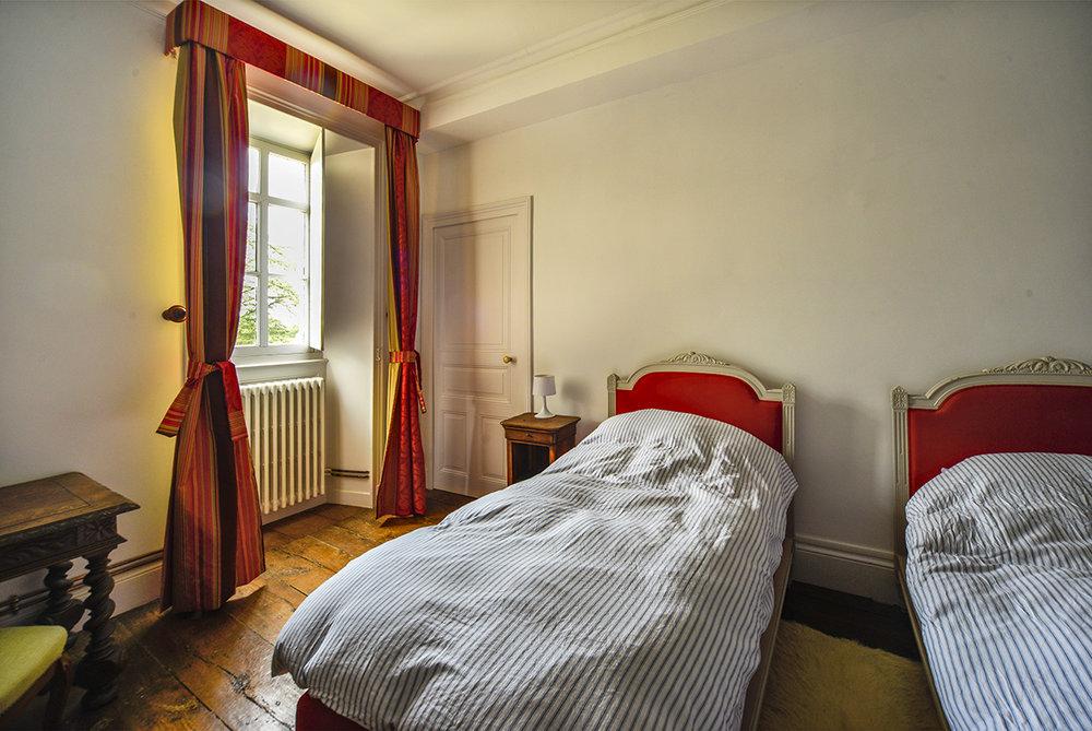 bedroom2_0152.jpg