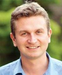 Dr Ian Henderson