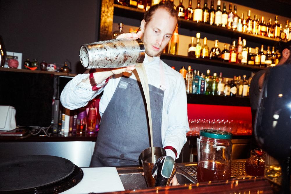 Piotr Sadak, Salut Bar Berlin