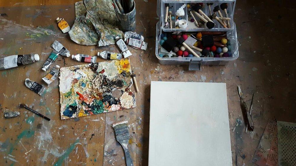 A blank canvas ...en vit duk...vad som helst kan hända ;-)