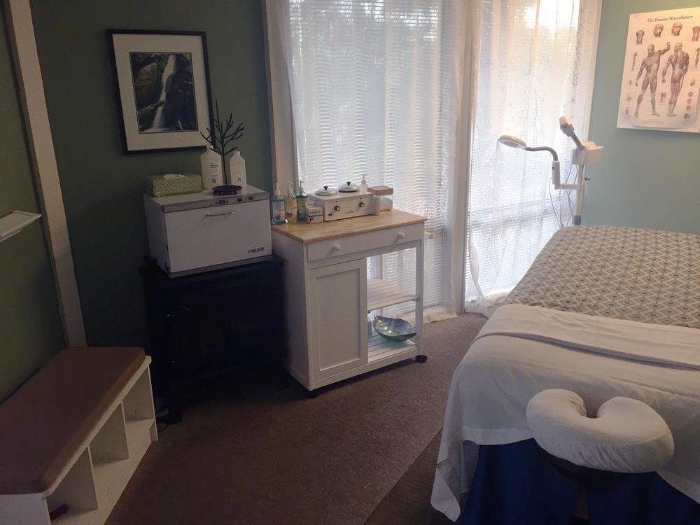 Peak-Performance-Massage_Studio-Room-B.jpg