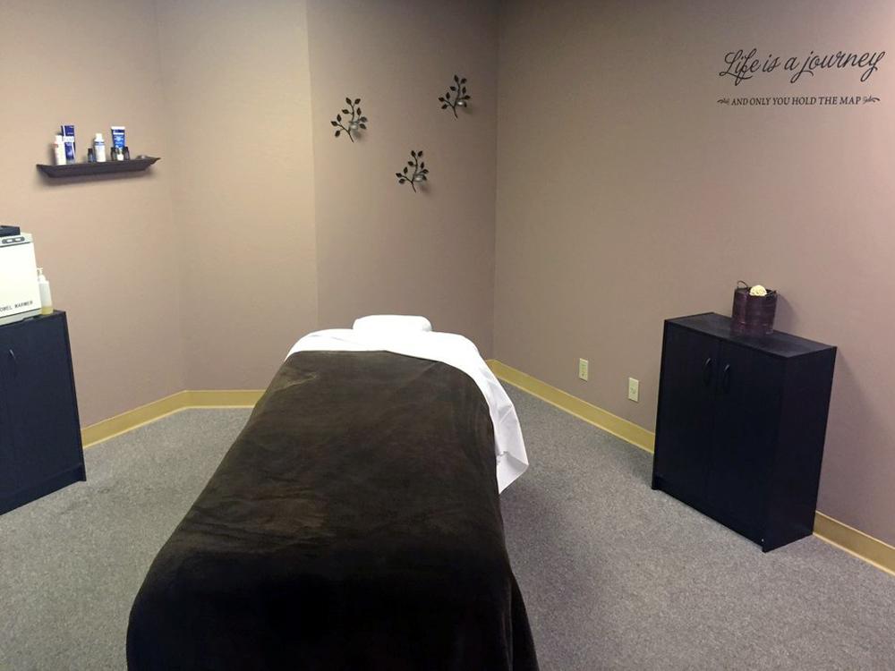 Peak-Performance-Massage_Studio-Room-AA.jpg