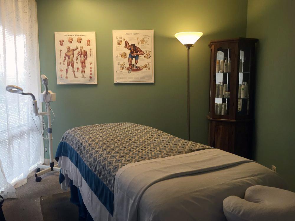 Peak-Performance-Massage_Studio-Room-BB.jpg
