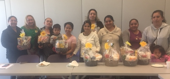 Members of the PPS-SF Latino Parent Leadership Club/Miembros del PPS-SF Padres Latinos