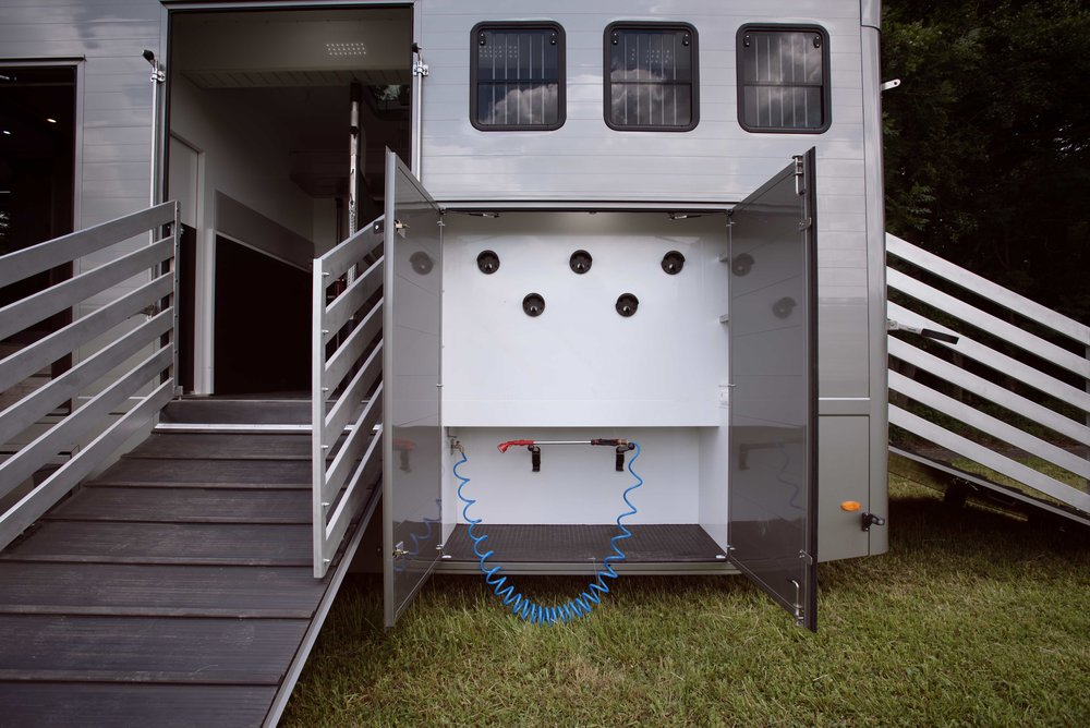 Horse Truck S.Oliver Aniko Towers Photo LR-8.jpg