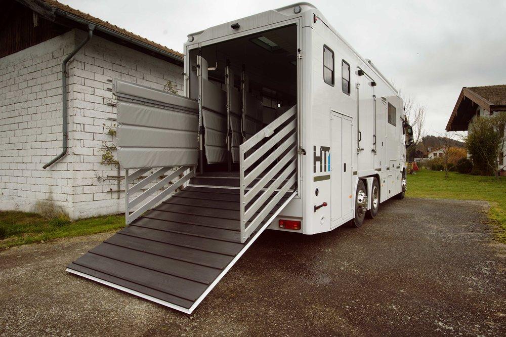 White Volvo Aniko Towers Photo 14k-181.jpg