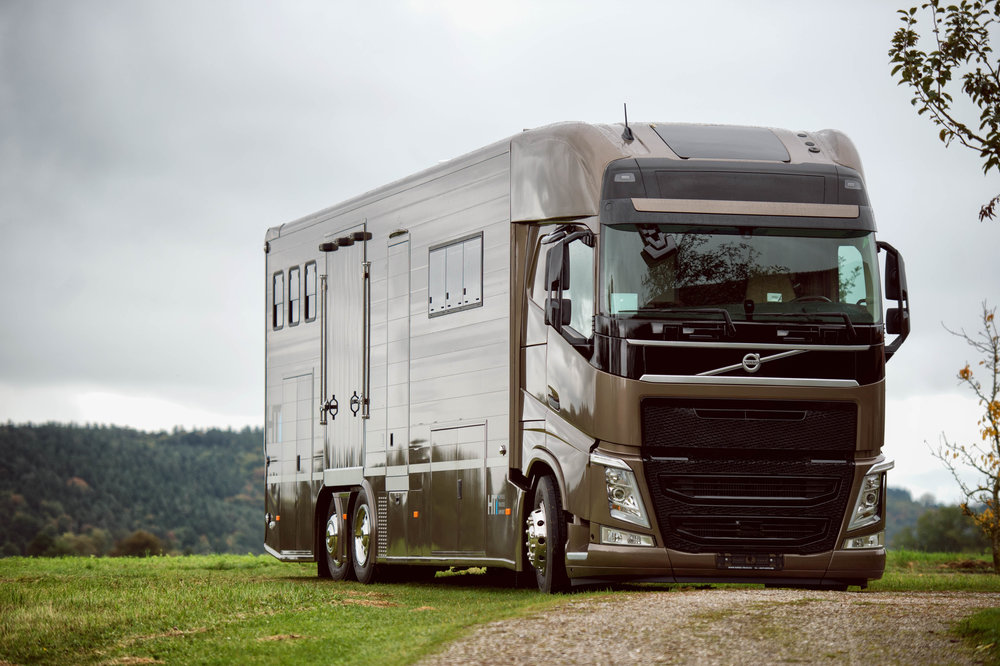 Horse Truck Pop out Volvo Aniko Towers Photo Oct17-167.jpg