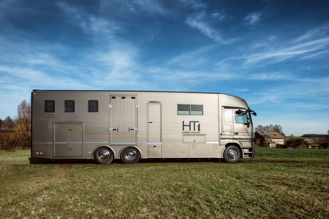 Aniko Towers Photo Horse Truck2 -1.jpeg
