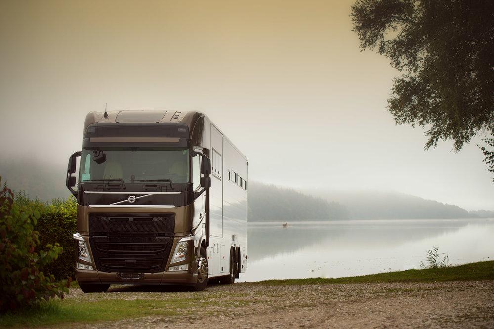Horse Truck Volvo Aniko Towers Photo Oct17-20.jpg