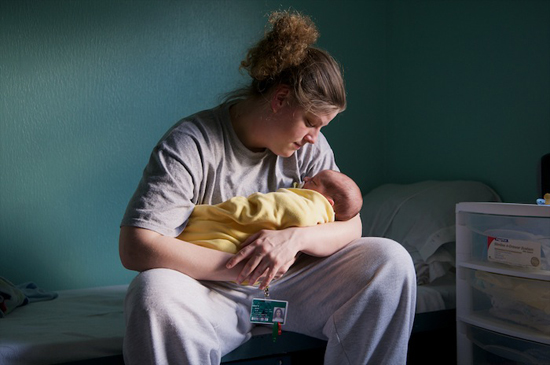Cheryl Hanna-Truscott. Mandi and Gabriel (3 days old), 2008.