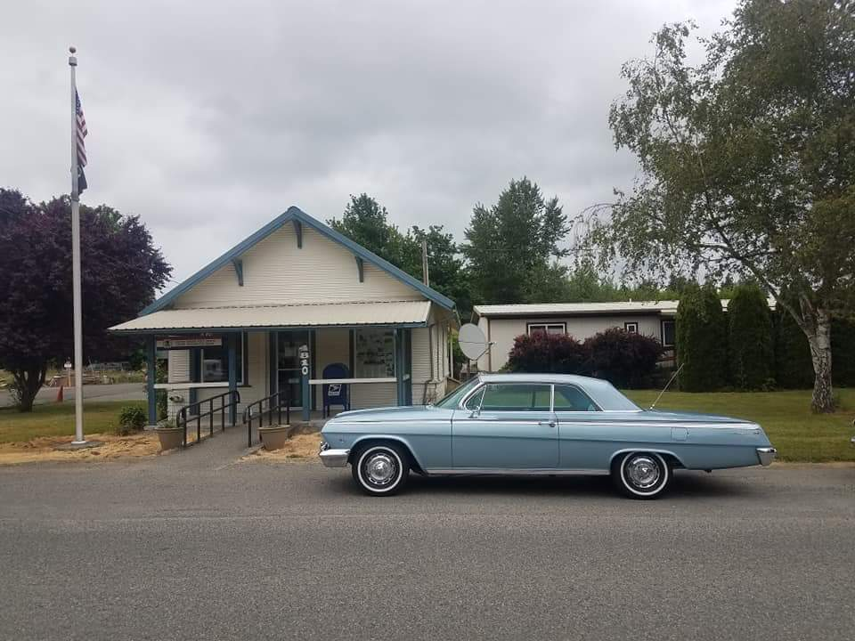 Dave and Barbara Starr's Impala.jpg
