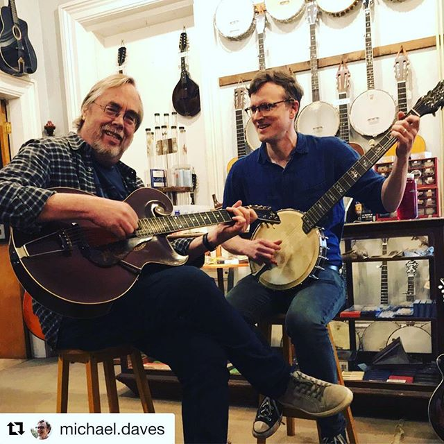 Thanks for stopping by @michael.daves  and @tonytrischka🎼🎼 #Repost @michael.daves with @get_repost ・・・ Visiting the old stomping grounds with @tonytrischka, playing a free concert tonight at my alma mater, @hampshirecollege, then on to a weekend of teaching at Guitar & Mandolin Camp North. Very New England-y! Also, this 7-string banjo might be my favorite thing.  #orpheumbanjo #vintagegibson #styleO @frettedinstrumentworkshop_ma