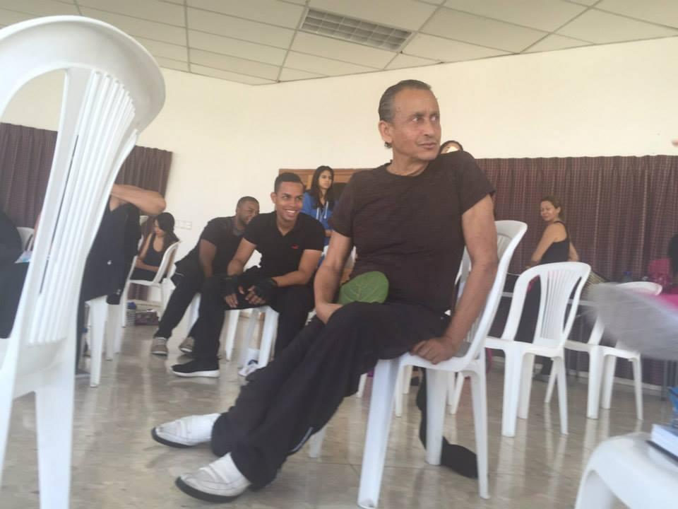 Juan Fernández teaching in Santiago, DR.