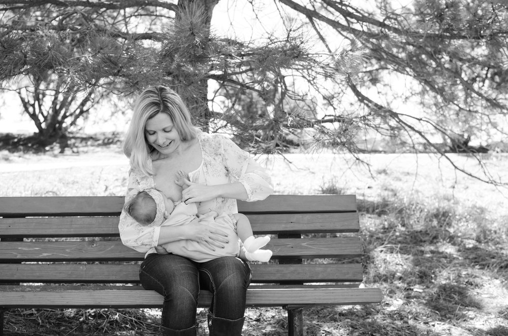 Breastfeeding on a bench, breastfeeding advice, normalize breastfeeding